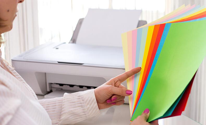 ポスター印刷の用紙